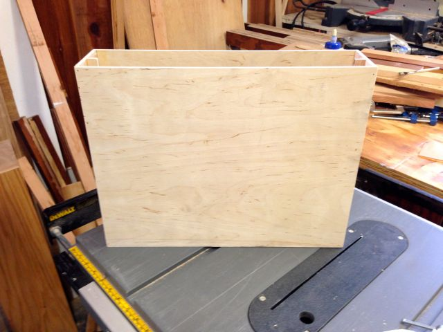 The finished box.  It's made from 1/4 inch plywood.