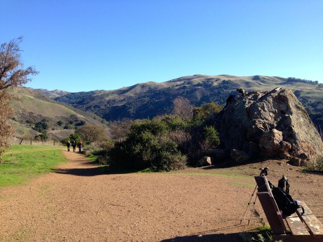 The trail down from Eagle Rock.